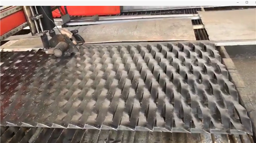 aluminum expanded metal cutting